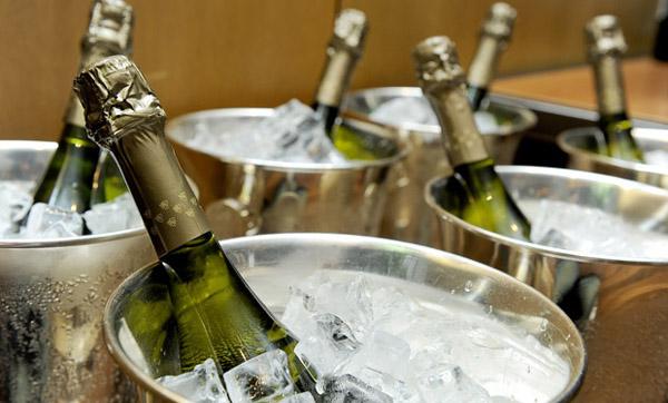 Champagnes, espumantes e rosés | Edição de Dezembro