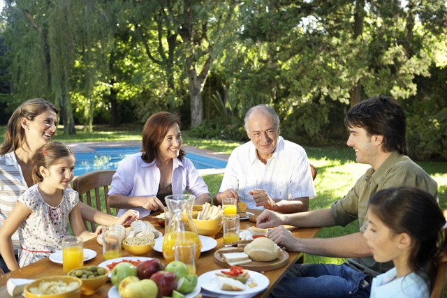 Brunch de domingo em familia - Thinkstock