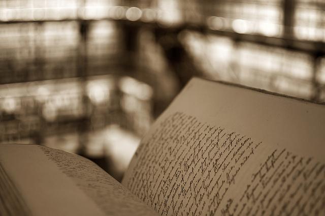 Livraria - Foto by: flickr.com/photos/mikko_luntiala/ - CC