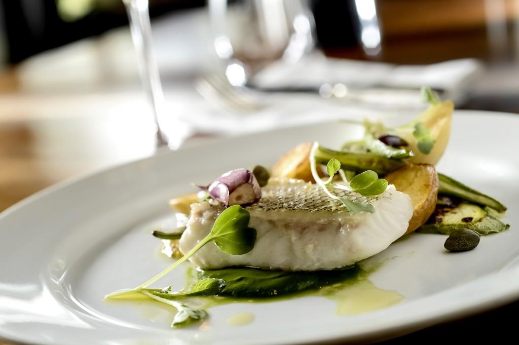 Receita Gourmet – Peixe do dia, batatinha & espinafre