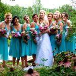 Vestido de madrinha: como organizar o look e arrasar no altar
