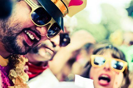 Carnaval de rua - Foto by: flickr.com/photos/casaforadoeixominas/ - CC