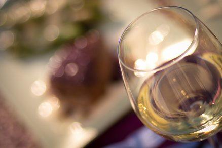 Vinho branco - foto by: flickr.com/photos/nodomain/ - CC