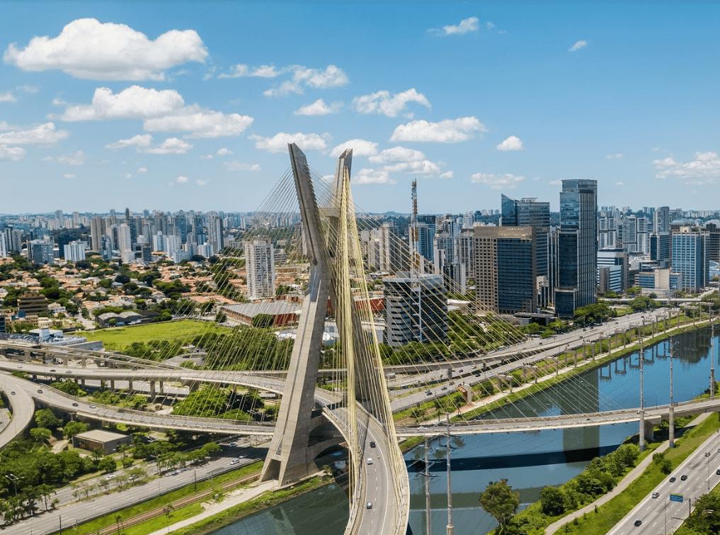 Vista do Hotel Grand Hyatt Sp para a Ponte Estaiada