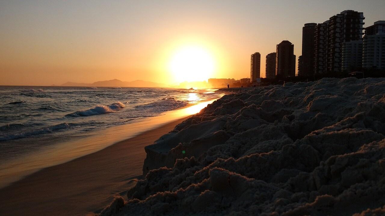 Por do sol na Praia da Barra da Tijuca