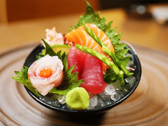 Prato de sashimi do restaurante Shiso
