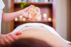 Massagem com óleo do Amanary Origens