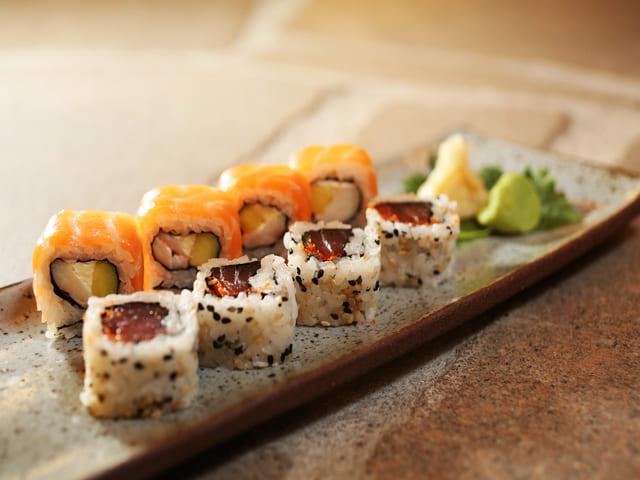 Peças de sushi de restaurante Shiso na Barra da Tijuca.